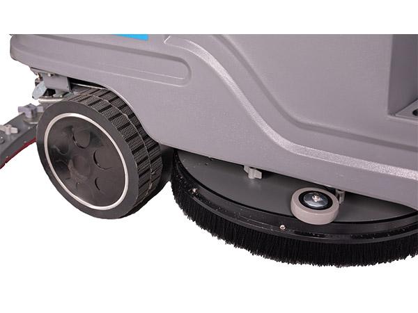 驾驶式洗地机WB600