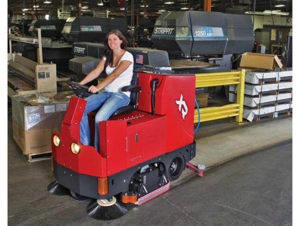 卡特XR大型驾驶式扫地机